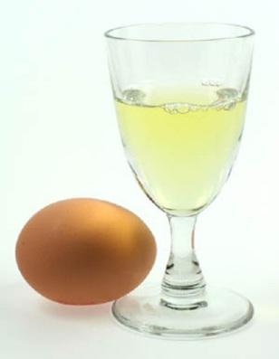 Cách trị mụn cám bằng lòng trắng trứng gà cực kỳ hiệu quả 1